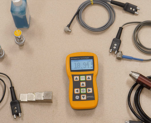 DM5e thickness gauge and associated probes