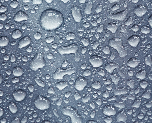 Condensation on a metallic surface